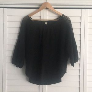 Old Navy Black cropped shirt with lace detail